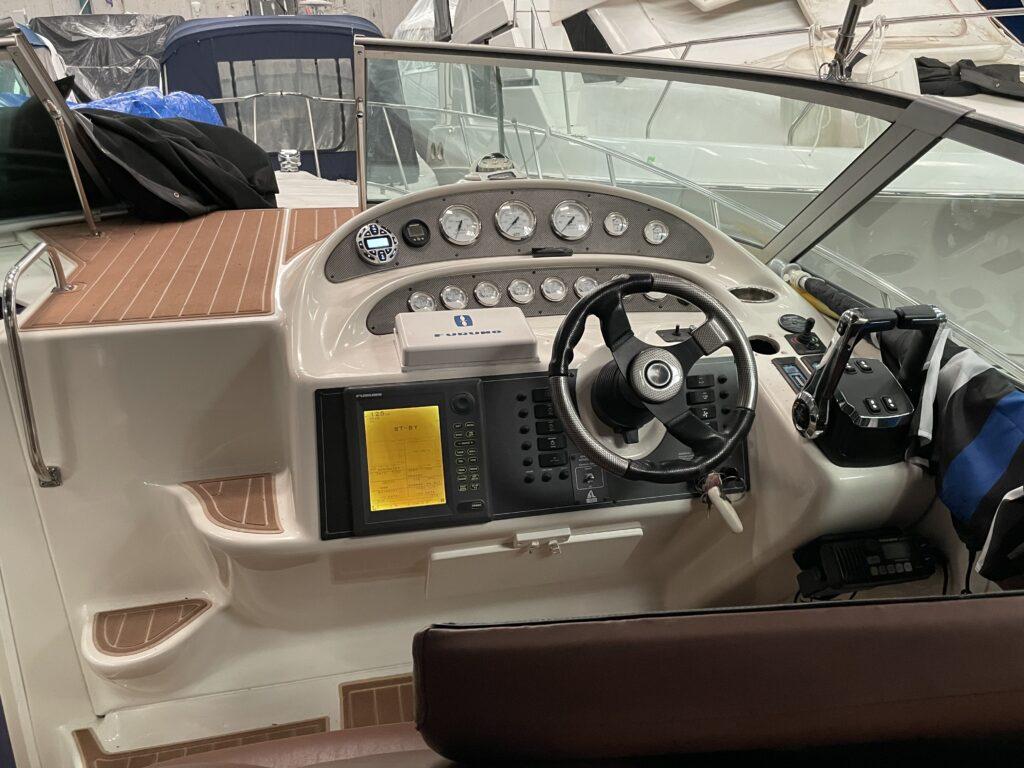 "<img src=""boat-stereo-installation"" alt=""boat-stereo-installation-in-dry-dock"">"