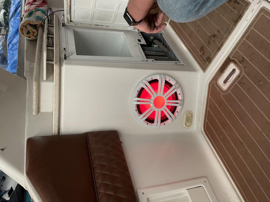 """<img src=""""subwoofer"""" alt=""""boat-stereo-installation-kicker-subwoofer"""">"""